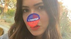 셀럽들은 지금 '투표했다' 스티커를 액세서리로 달고