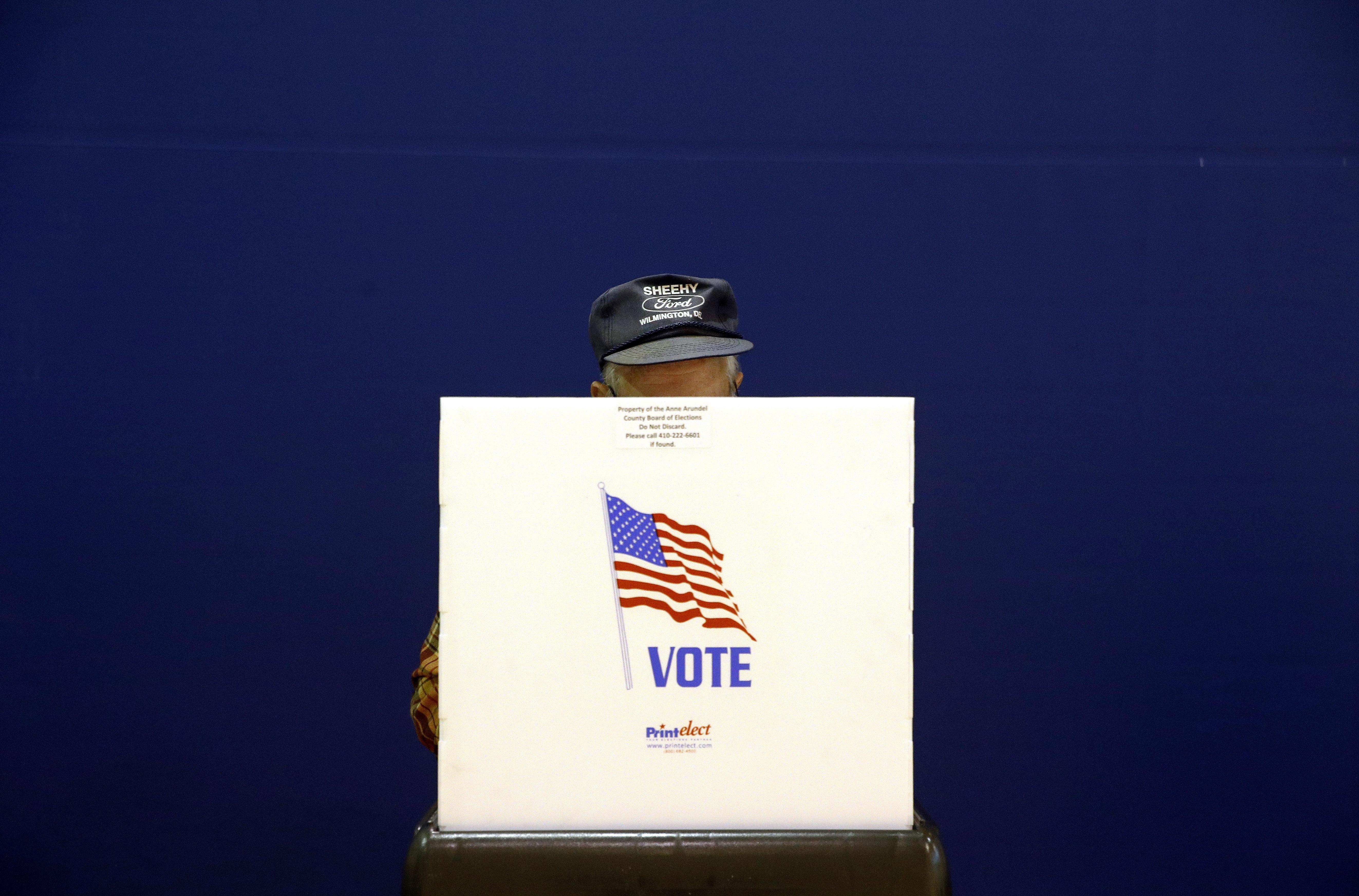 [화보] 미국 중간선거 : 투표장으로 향하는 미국인들의 모습