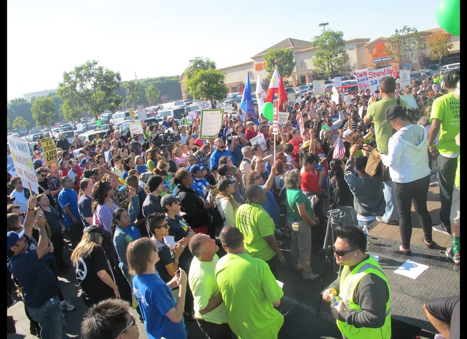 At the Walmart in Paramount, Calif., The Huffington Post counted about 600 protesters at 11:30 a.m. Friday. Organizers later