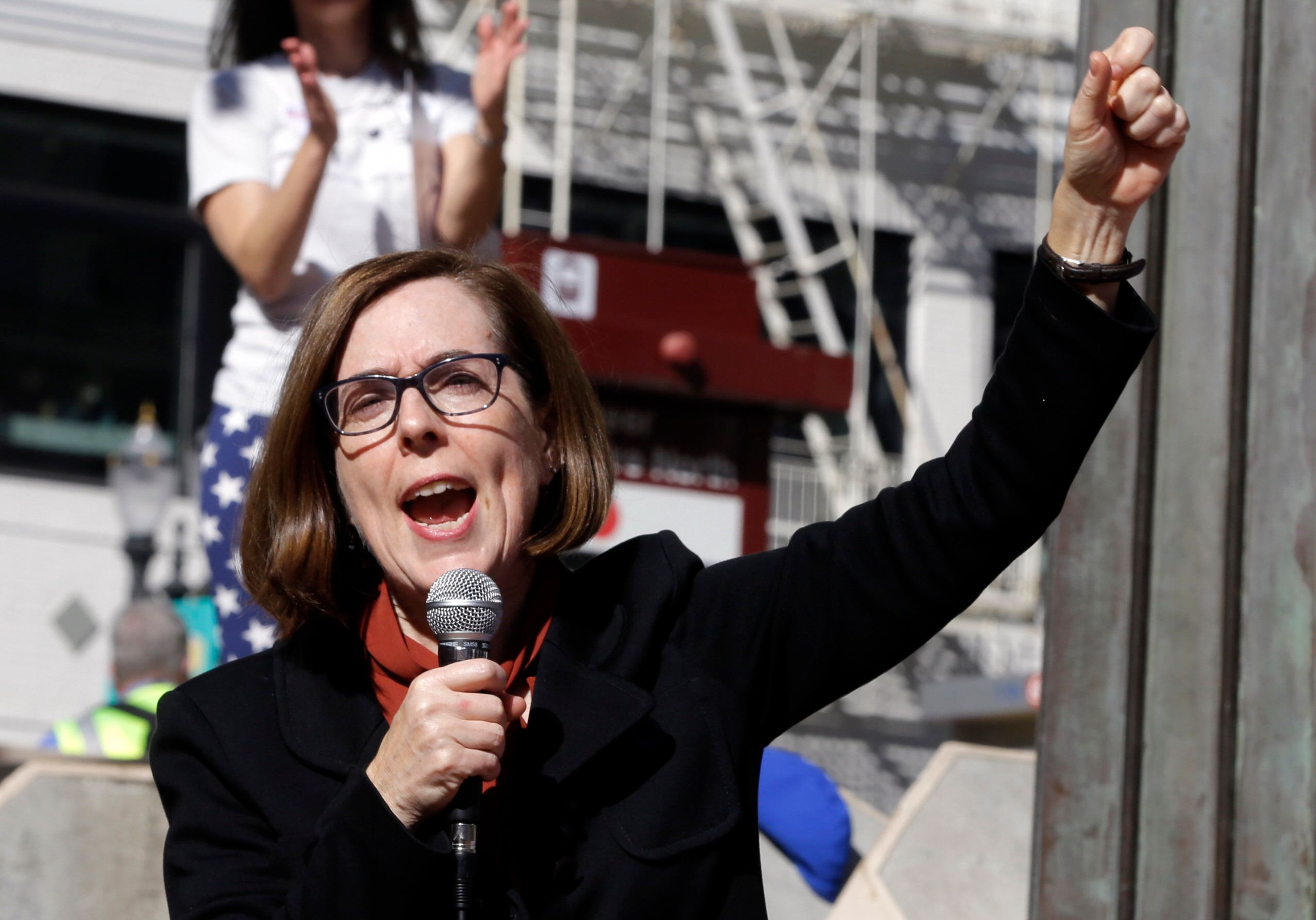 WASHINGTON ― Oregon Gov. Kate Brown (D) won re-election Tuesday night despite