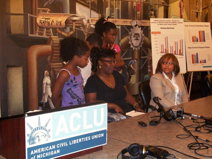 Aclu Sues Education Officials On Behalf >> Aclu Sues Michigan And Highland Park Schools Over Low Literacy Rates