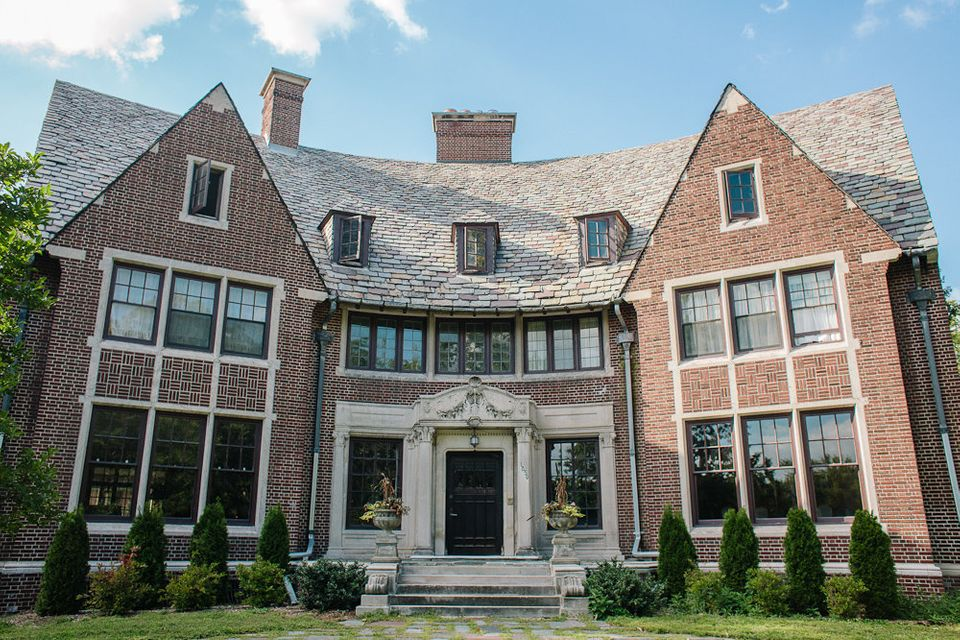 The Van Dusen Mansion is the kind of stunner you find only in Detroit ... or at least, only in Detroit for the price. And it'