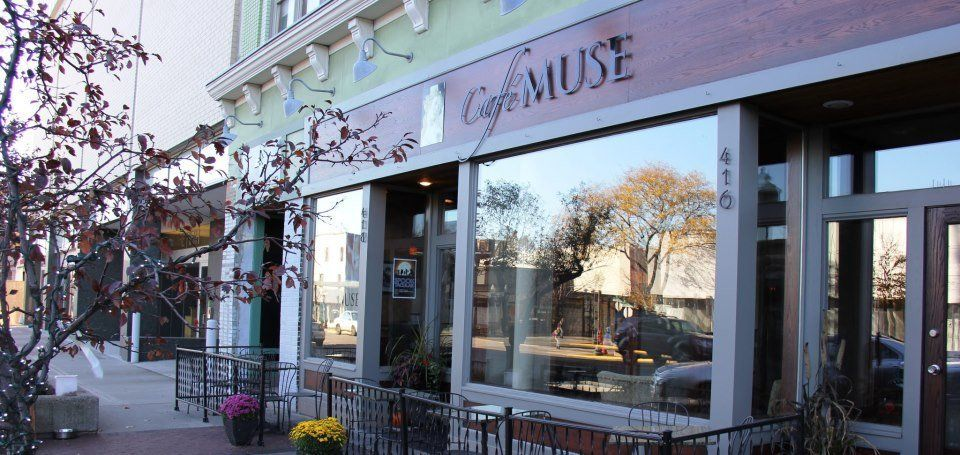 """<a href=""""http://www.cafemuseroyaloak.com/"""" target=""""_blank"""">This graceful eatery</a> is known for elegant omelettes and deligh"""