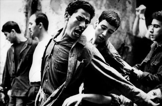 Projection à Paris du film la bataille d'Alger en hommage à Ennio