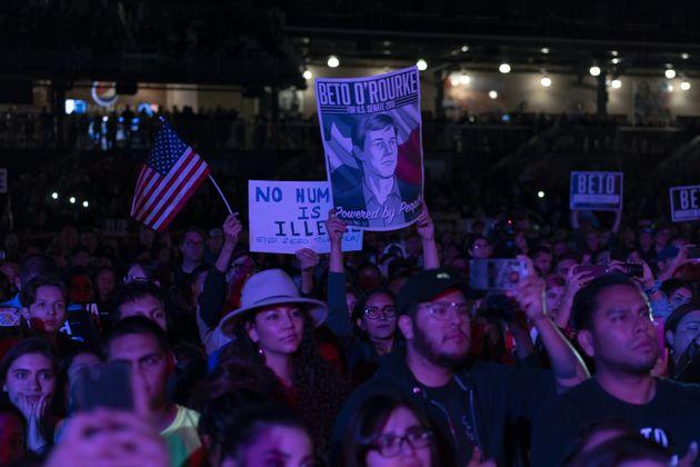 텍사스에서 아쉽게 패한 민주당 베토 오루크가 스타로