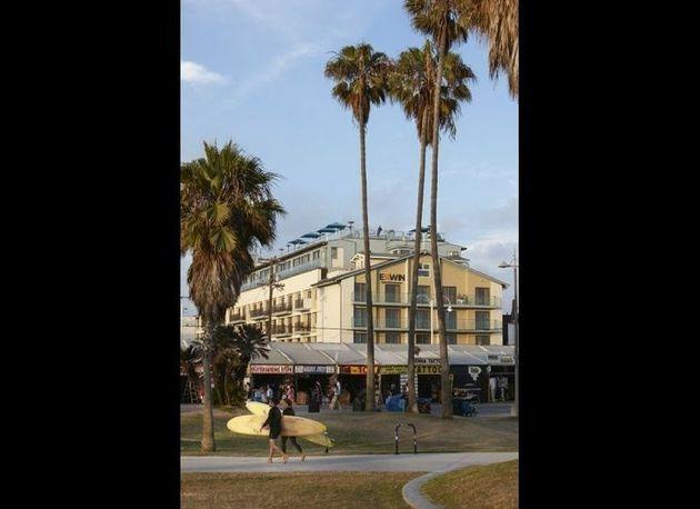 9 Must Visit Rooftop Bars And Restaurants In La Huffpost