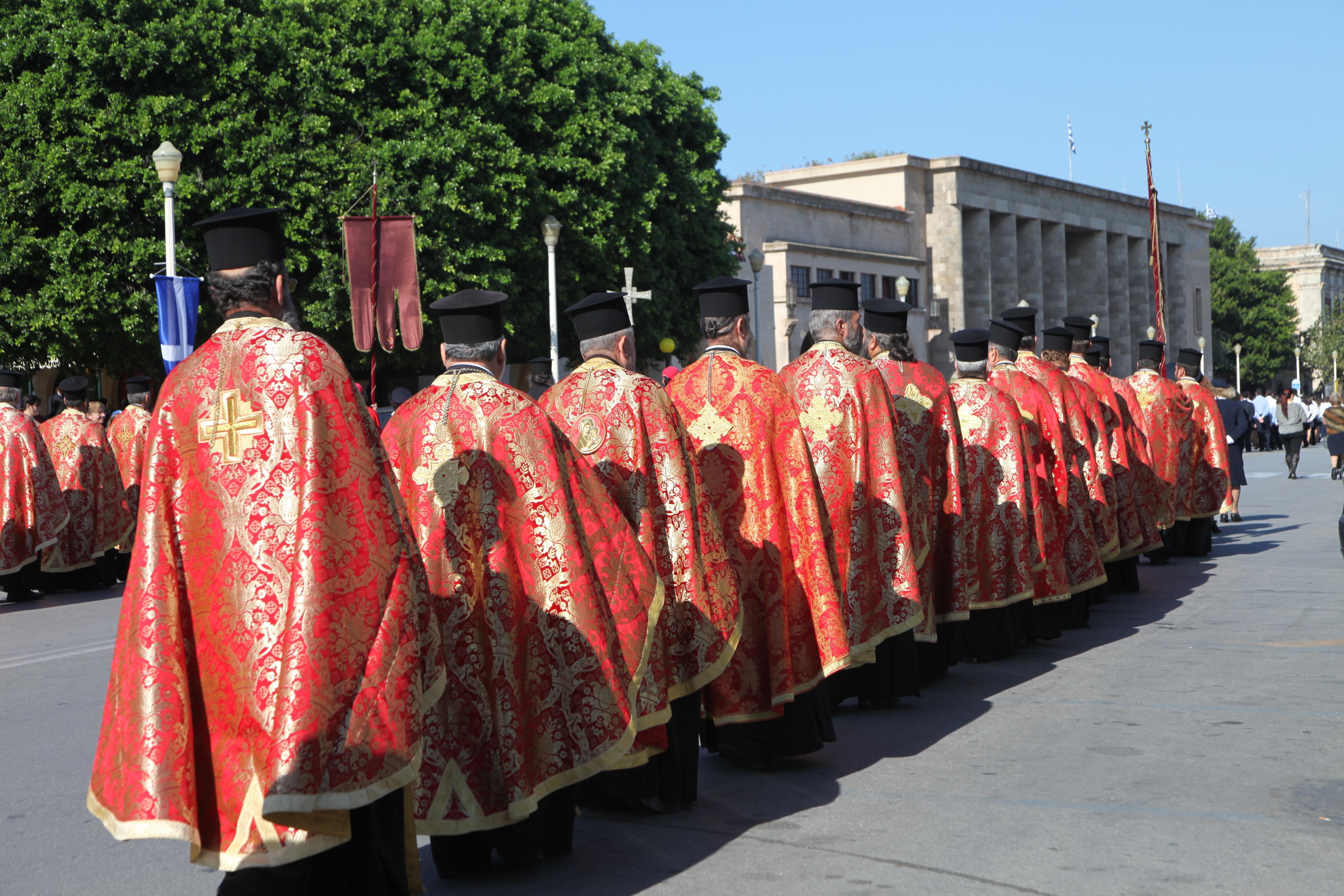 Ιερός εμφύλιος στην Εκκλησία. Γιατί αντιδρά ο Σύνδεσμος Κληρικών και επιτίθεται σε Ιερώνυμο και Μητροπολίτες