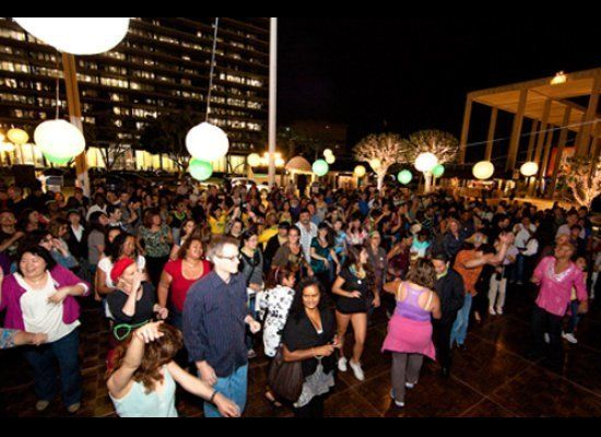 """Get the last of your summer ya-yas out at this fun, and FREE, event! <a href=""""http://www.musiccenter.org/events/activearts/Da"""