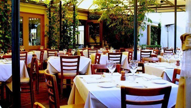 Hollywood Lunch Top La Restaurants Where You Can Flex Some Muscle Photos Huffpost