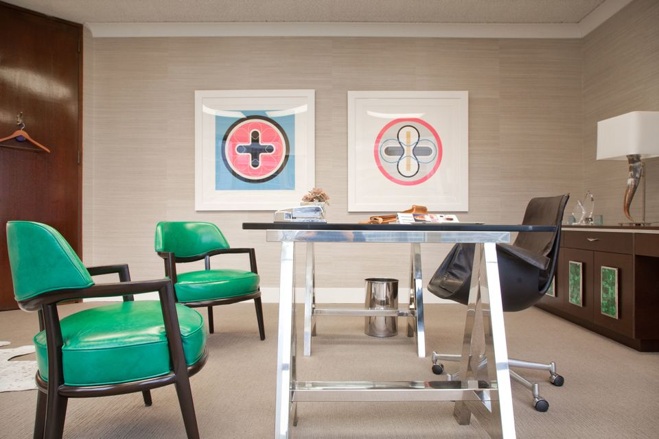 "Interior Design by <a href=""http://www.svzinteriordesign.com/"" target=""_blank"">Sayre V. Ziskin</a>. Photography by  <a href="""