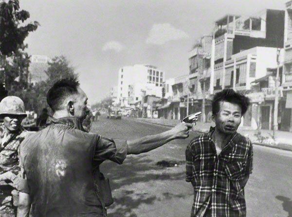 <em>Police Commander Nguyen Ngoc Loan killing Viet Cong operative Nguyen Van Lem February 1, 1968</em>  Photographer: Eddie A