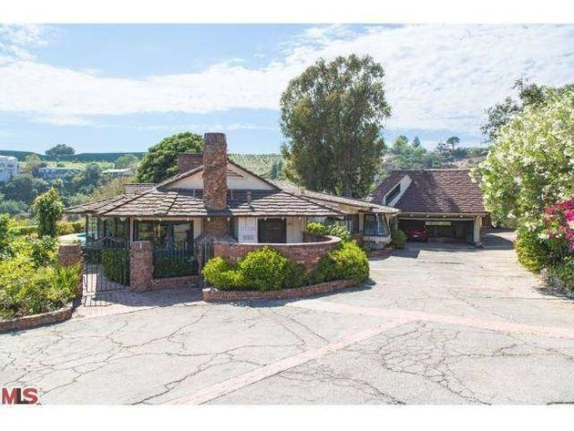 Elon Musk Buys Gene Wilder's Former House In Bel Air For $6.75 Million  (PHOTOS) | HuffPost