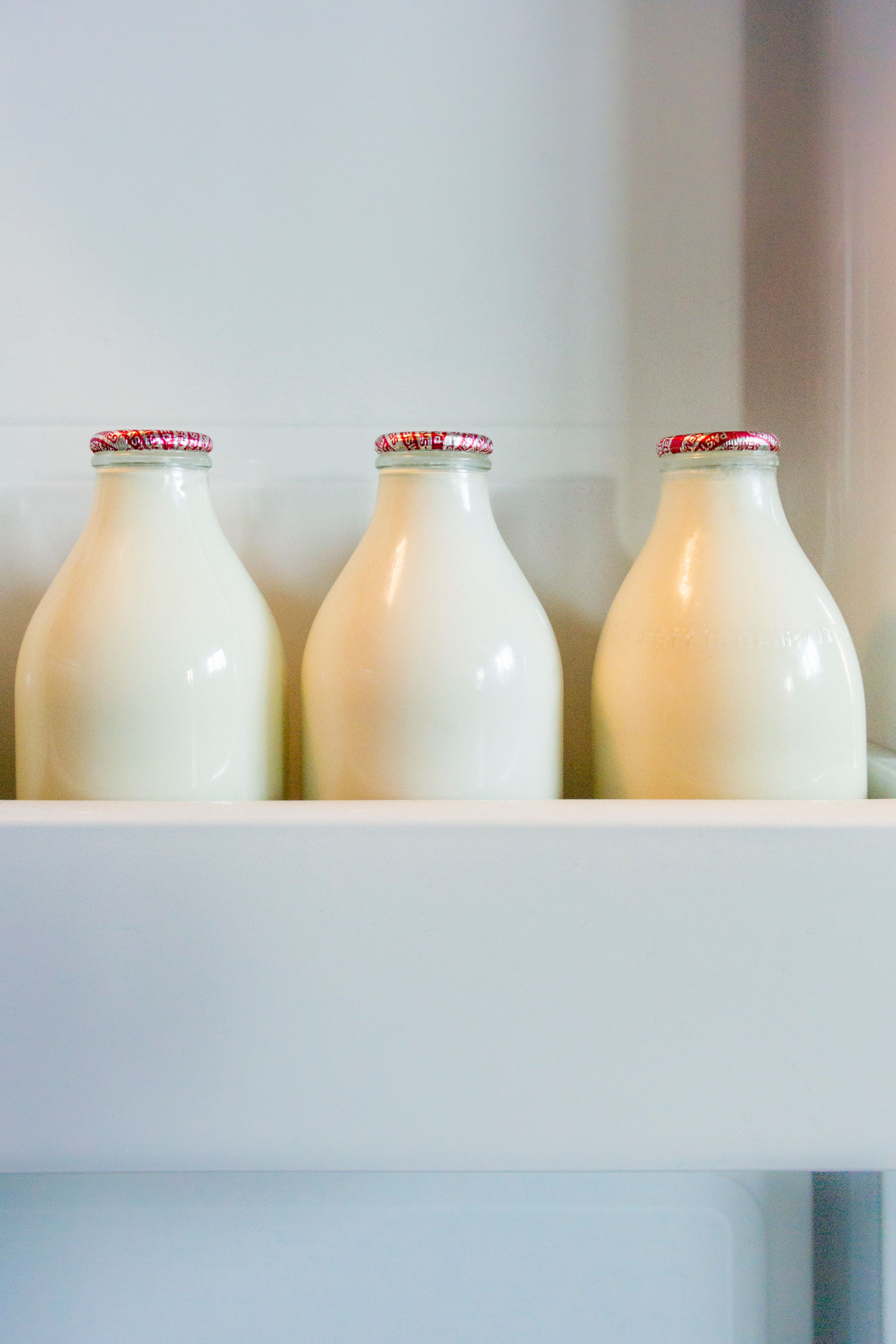 Colour-Changing Milk Labels Could Soon Tell You When Your Fridge Is Too