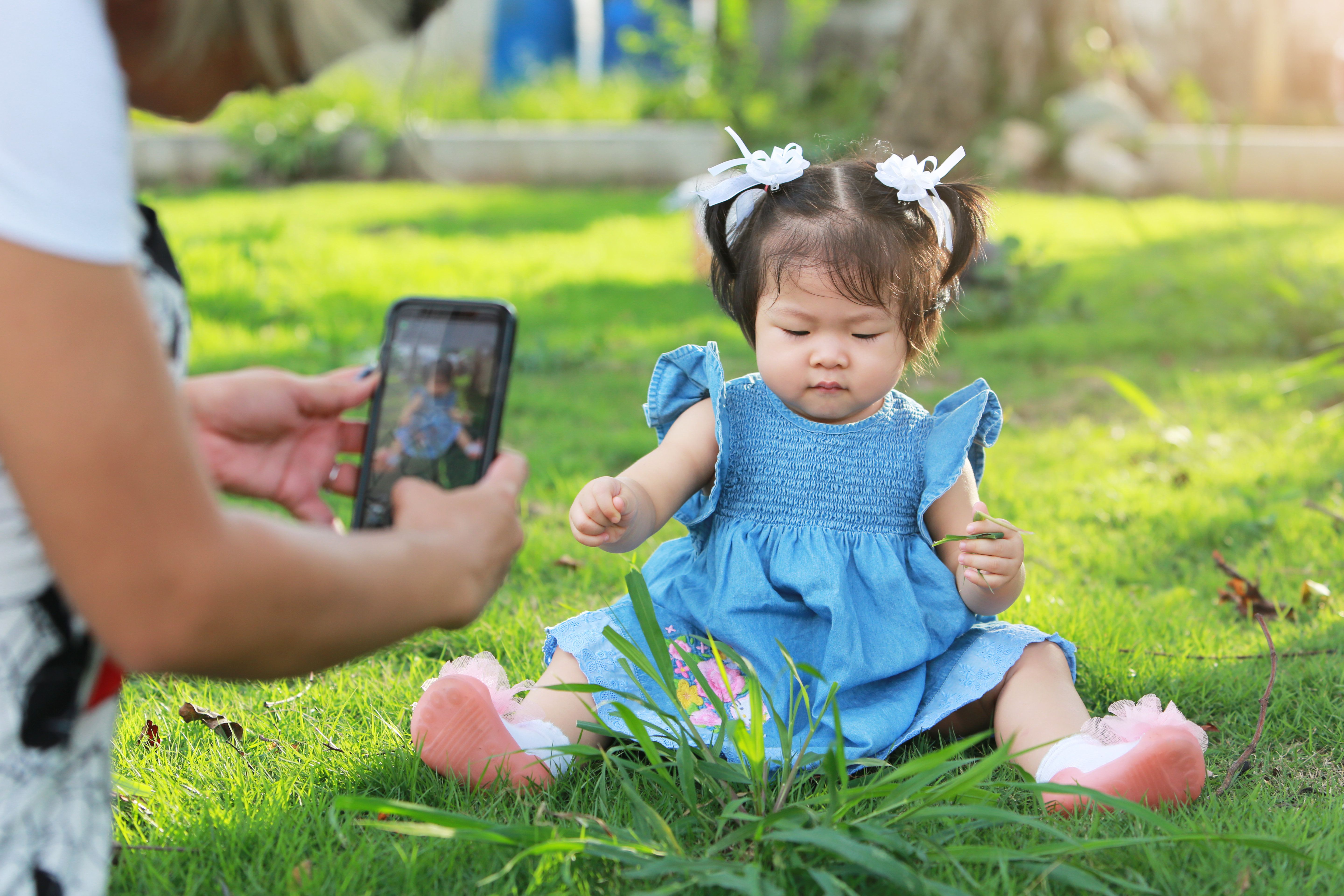 There Will Be 1300 Images Of Your Child Online By The Time They're 13 – Posted By You