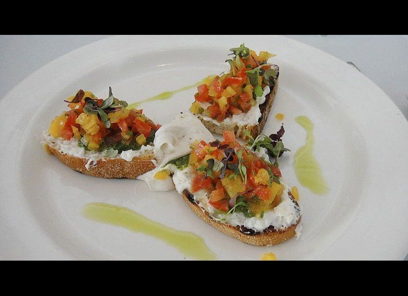 "<strong>Bruschetta a Modo Mio @ <a href=""http://www.lopera.com/"" target=""_hplink"">L'Opera - Long Beach</a></strong>