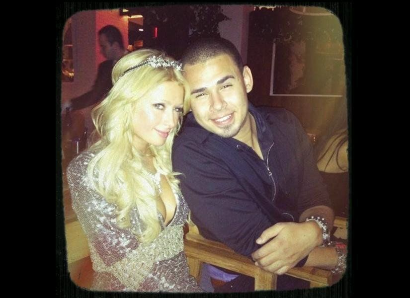 """Had the best New Year's Eve ever!"" <a href=""https://twitter.com/#!/ParisHilton/status/153580080558387200"" target=""_hplink"">w"