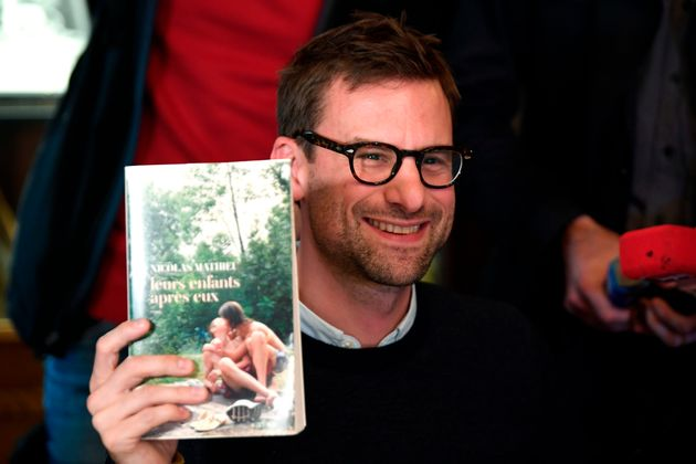 Le Goncourt 2018 décerné à l'écrivain français Nicolas