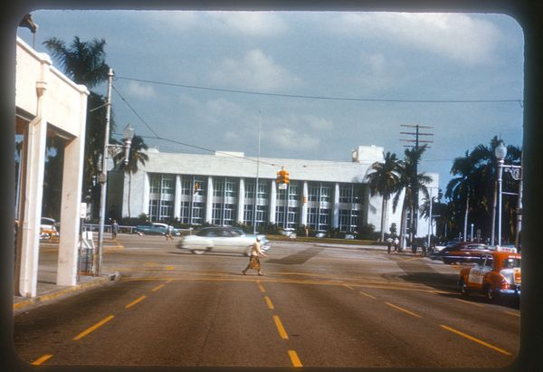 A main library building had been proposed for Bayfront Park in downtown Miami as early as 1938. Miamians began using their ne