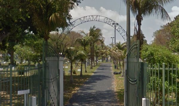 Founded in 1897, it is the oldest cemetery in the city -- not to be confused with the oldest in the county, Pinewood.  The pr