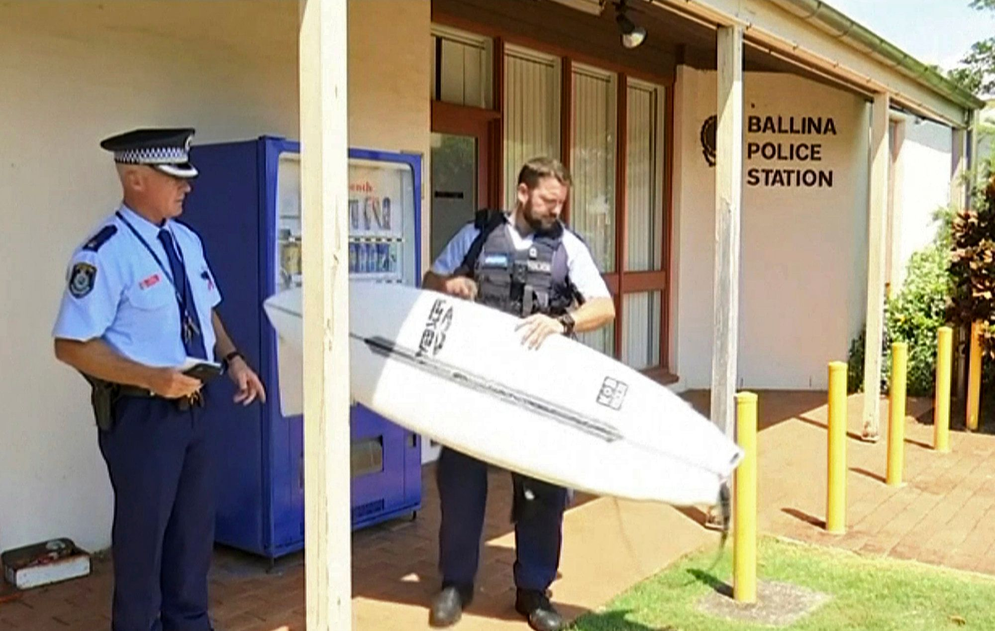 Australien: Surfer wird von Hai angegriffen und schlägt