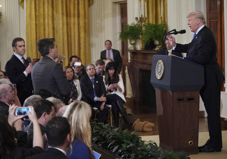 CNN-Reporter legt sich mit Donald Trump an und wird rausgeschmissen