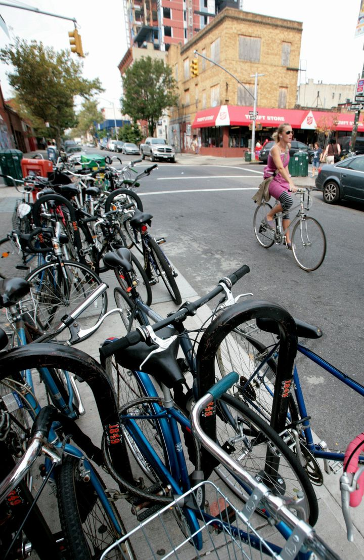 Hipsters, Hasidic Jews Fight Over Bike Lanes In Williamsburg | HuffPost
