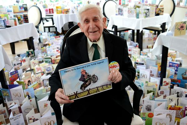 WWII veteran Bernard Jordan who went AWOL from care home to attend D-Day ceremony, receives 3,000 cards for his 90th birthday