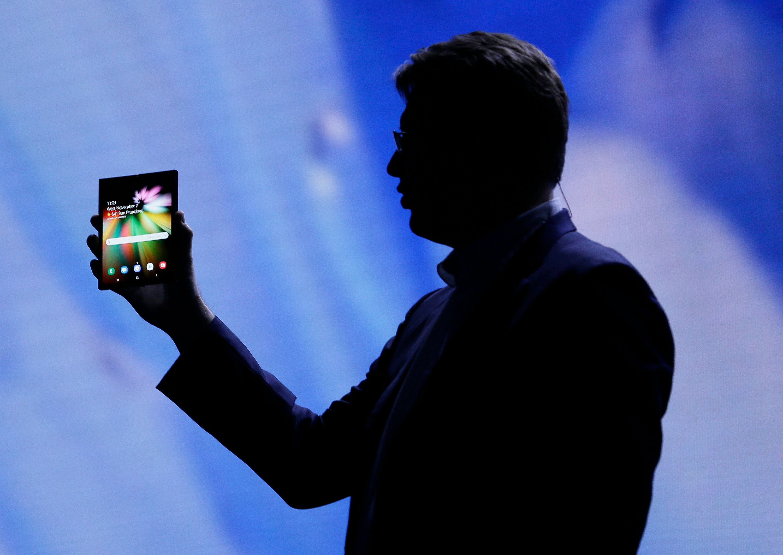삼성 폴더블폰 디스플레이가 마침내