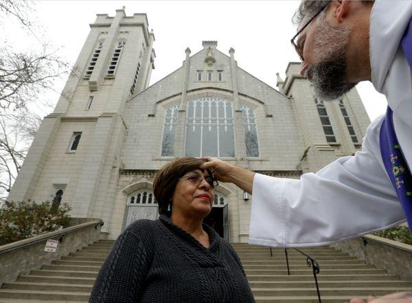 主任牧師とは、牧師が数人在籍する大きな教会で筆頭を務める牧師だ。教会のメンバーを指導し、慰めと助言を与えるという役割を果たす主任牧師うち98%が、自分の仕事は世の中を良い場所にする助けをしていると感じている。