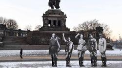 Ο Μακρόν αποδίδει τιμές στον Φιλίπ Πεταίν που συνεργάστηκε με τους Ναζί και οργίζει τους