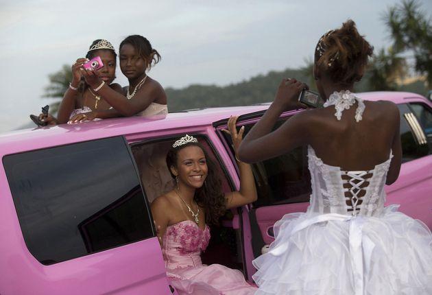 Mädchen auf dem Weg zum