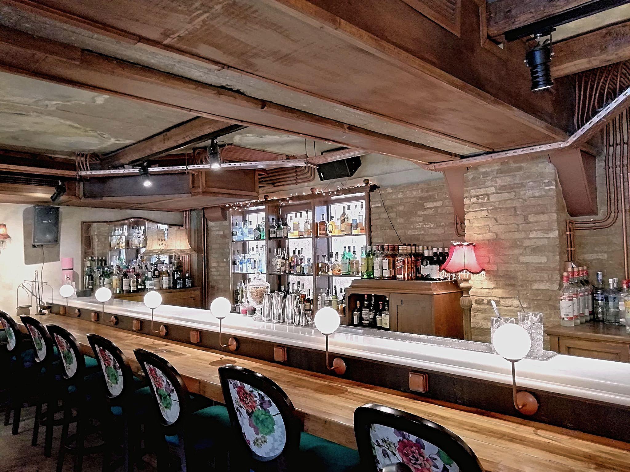 Η HuffPost σε wine bars & bistro της Αθήνας: Γιατί