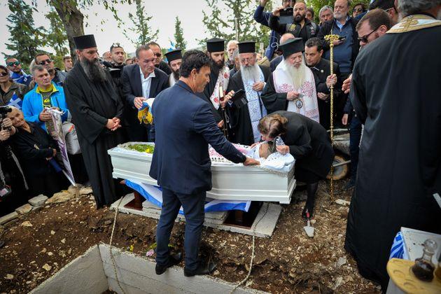 Προσαγωγές από την αλβανική αστυνομία μετά την κηδεία του Κωνσταντίνου