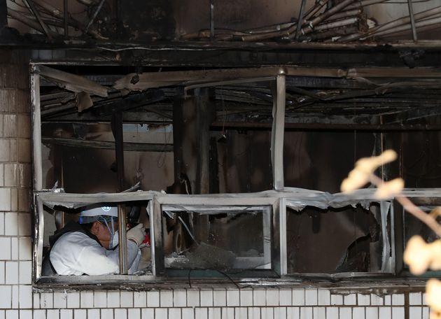 2시간 만에 진화됐으나 6명 사망한 서울 종로 고시원 화재 상황