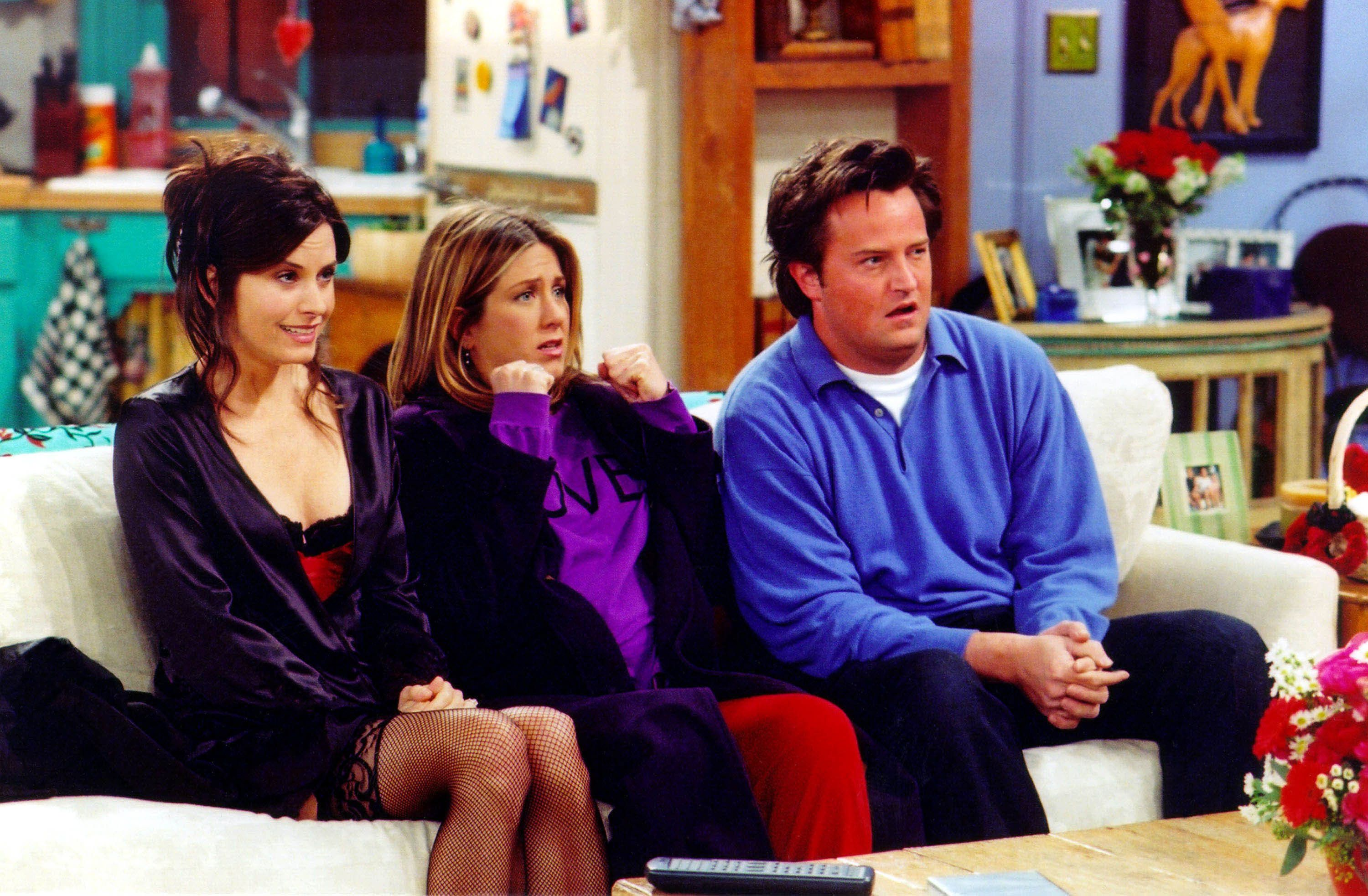 UNDATED PHOTO:  Actors Courteney Cox Arquette (L), Jennifer Aniston (C) and Matthew Perry are shown in a scene from the NBC series 'Friends'. The series received 11 Emmy nominations, including outstanding comedy series, by the Academy of Television Arts and Sciences July 18, 2002 in Los Angeles, California.  (Photo by Warner Bros. Television/Getty Images)