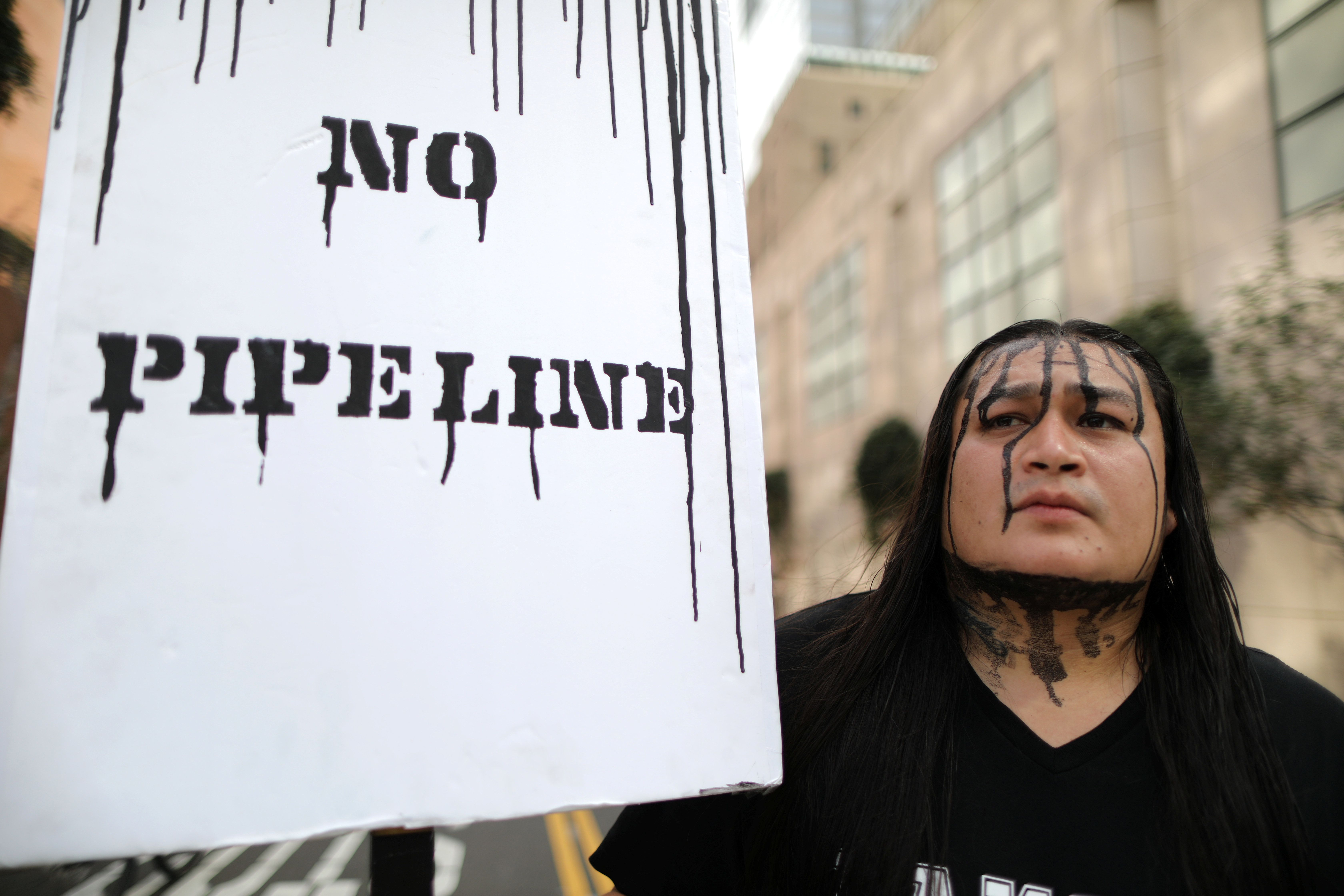 Federal Judge Halts Construction Of Keystone XL Pipeline thumbnail