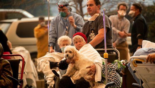 Μεγάλη φωτιά σαρώνει με τη Β.Καλιφόρνια-Στάχτη ένα νοσοκομείο και φόβοι για