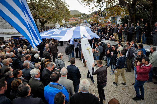 Αλβανία: Αφέθηκαν ελεύθεροι οι 12 που είχαν προσαχθεί μετά την κηδεία του Κωνσταντίνου