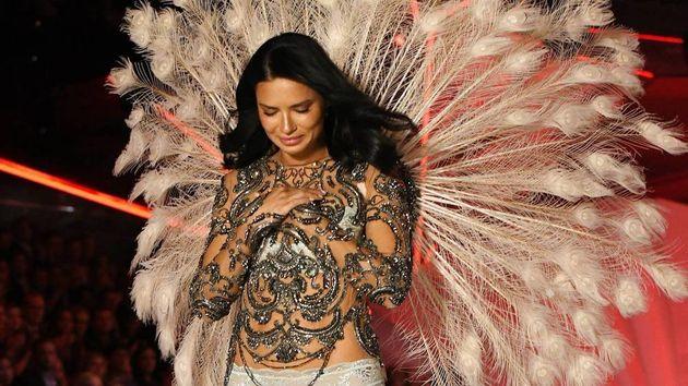 Αντριάνα Λίμα: Οι καλύτερες στιγμές στη Victoria's Secret και το συγκινητικό