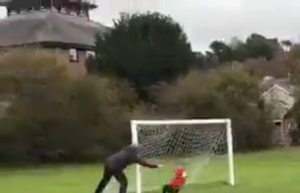 Vater schubst Kind bei Fußballspiel zu Boden – er hatte sich mehr