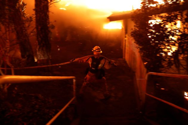 Νεκροί από τις φωτιές στην