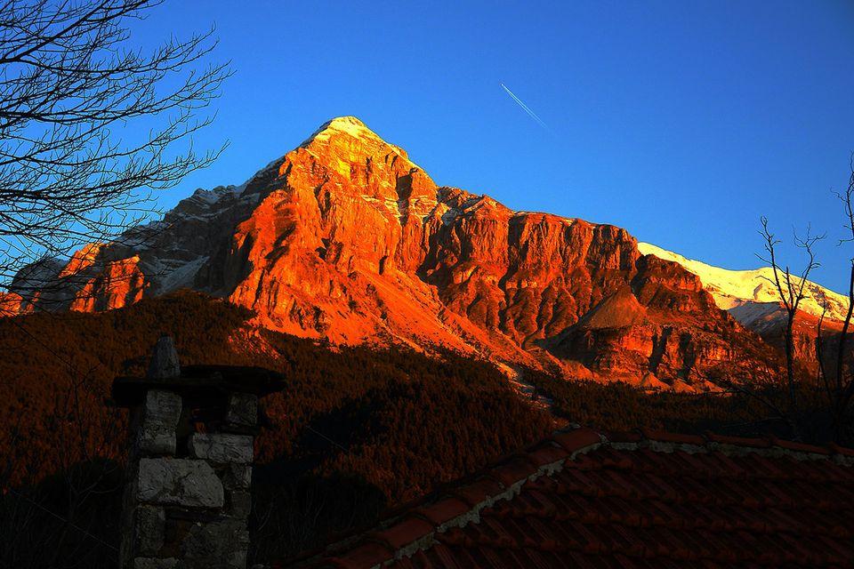 Η κορυφή της Στρογγούλας, φθινόπωρο, στο ηλιοβασίλεμα