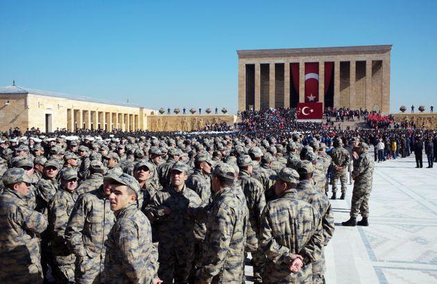 Τουρκία: Τέσσερις στρατιώτες νεκροί και 20 τραυματίες από