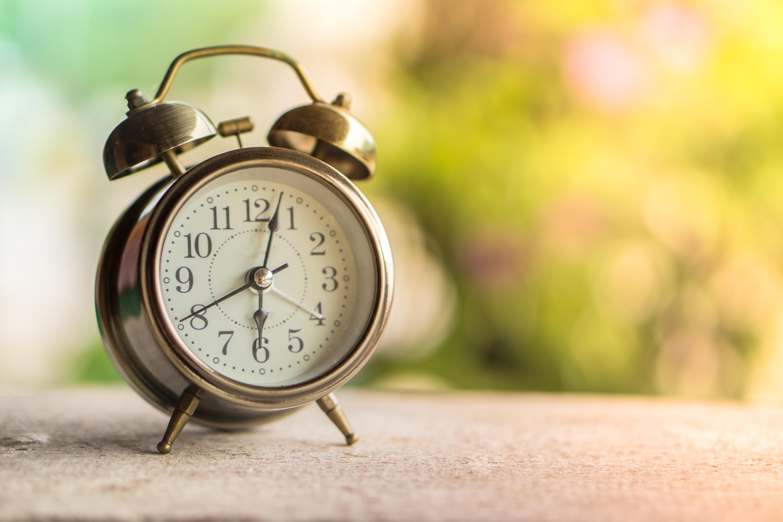 Pourquoi adopter le GMT+1? Le gouvernement révèle (enfin) l'étude derrière le nouvel