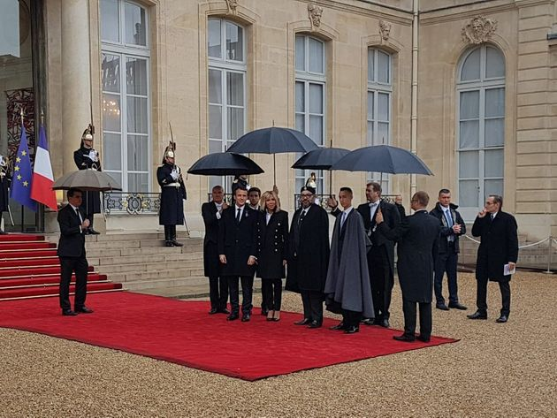 Le roi Mohammed VI reçu par Emmanuel Macron à l'Elysée pour les célébrations du 11