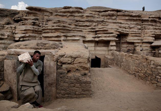 Δεκάδες γάτες - μούμιες ανακαλύφθηκαν σε αρχαίους τάφους στην