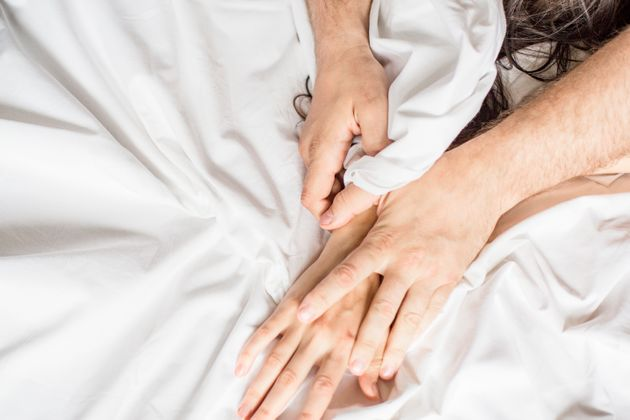 Έρευνα: Το 10% των ανδρών και το 7% των γυναικών δυσκολεύονται να ελέγξουν τις σεξουαλικές ορμές