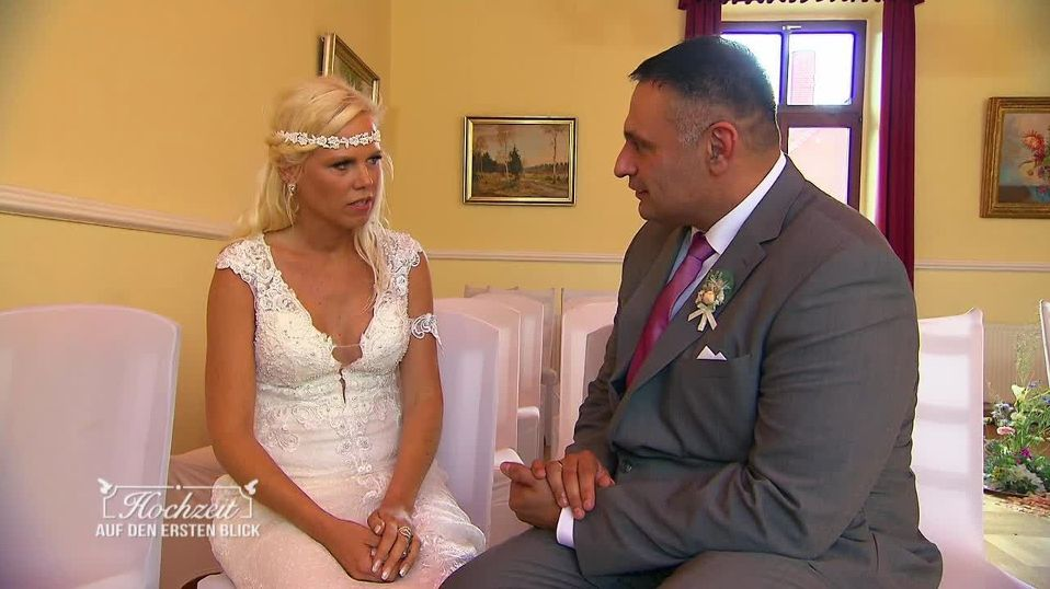 """""""Hochzeit auf den ersten Blick"""": Braut serviert Bräutigam nach wenigen Minuten ab"""