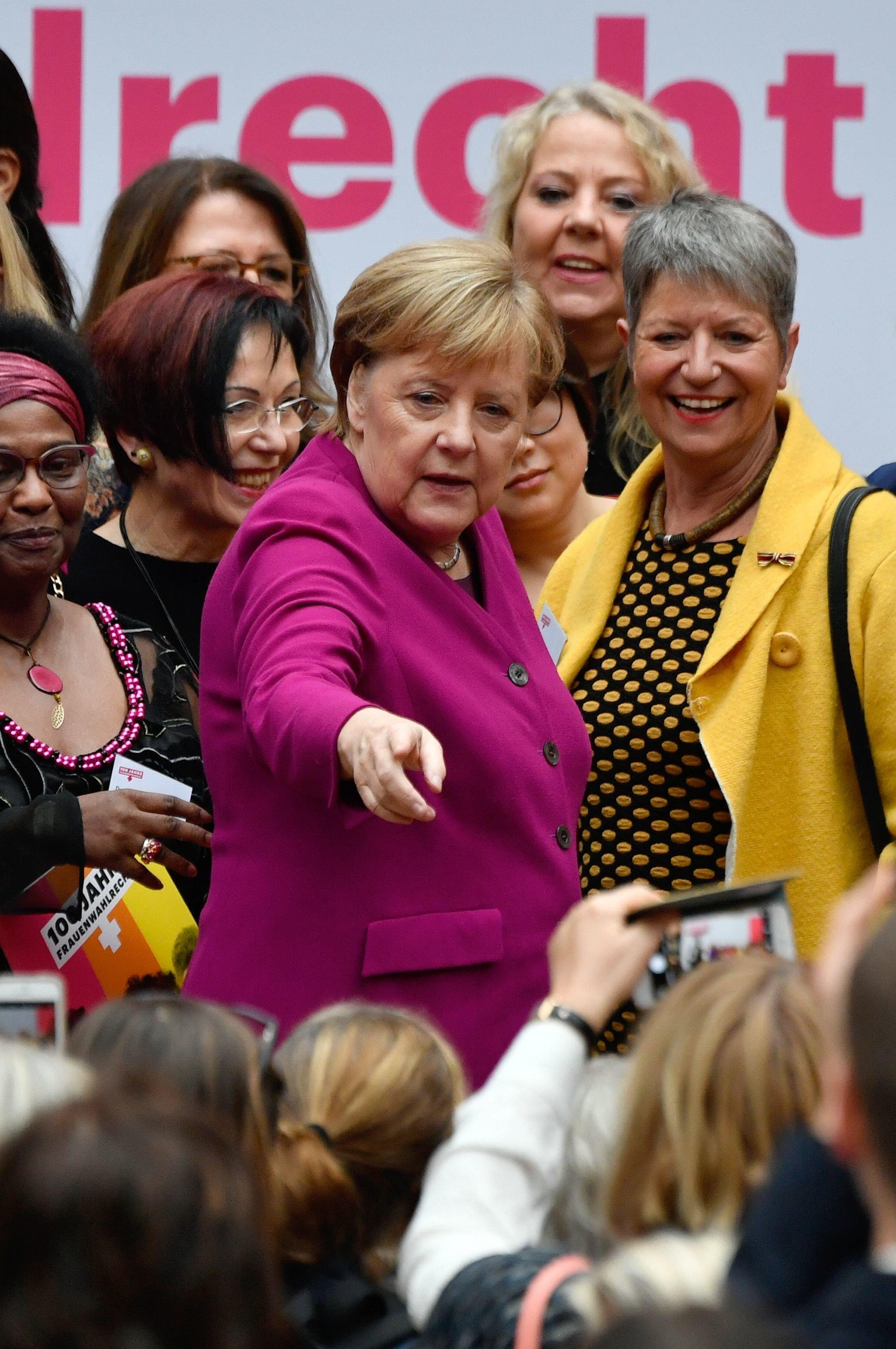 Angela Merkel: Mit 2 Sätzen bringt sie den Stand der Gleichberechtigung auf den