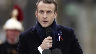Comment Emmanuel Macron modifie son discours en vue des européennes